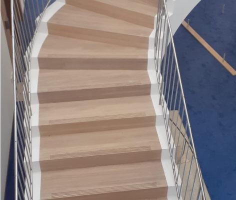 Pose escaliers en bois Mulhouse Bibliothèque Universitaire